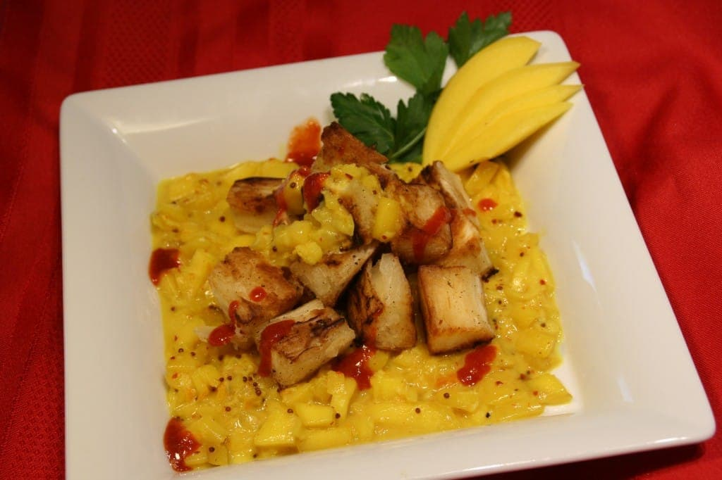 Crispy Delicious Yucca with Mango Curry