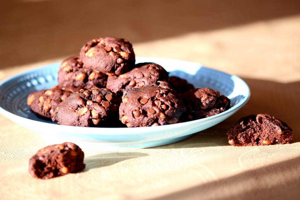 No Sugar in these Chocolate Crispy Energy Cookies