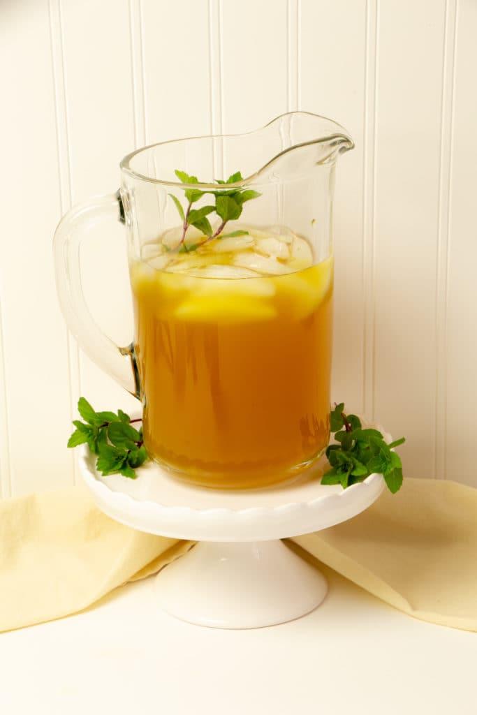green tea with turmeric