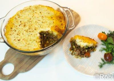 shepherd's pie with salad
